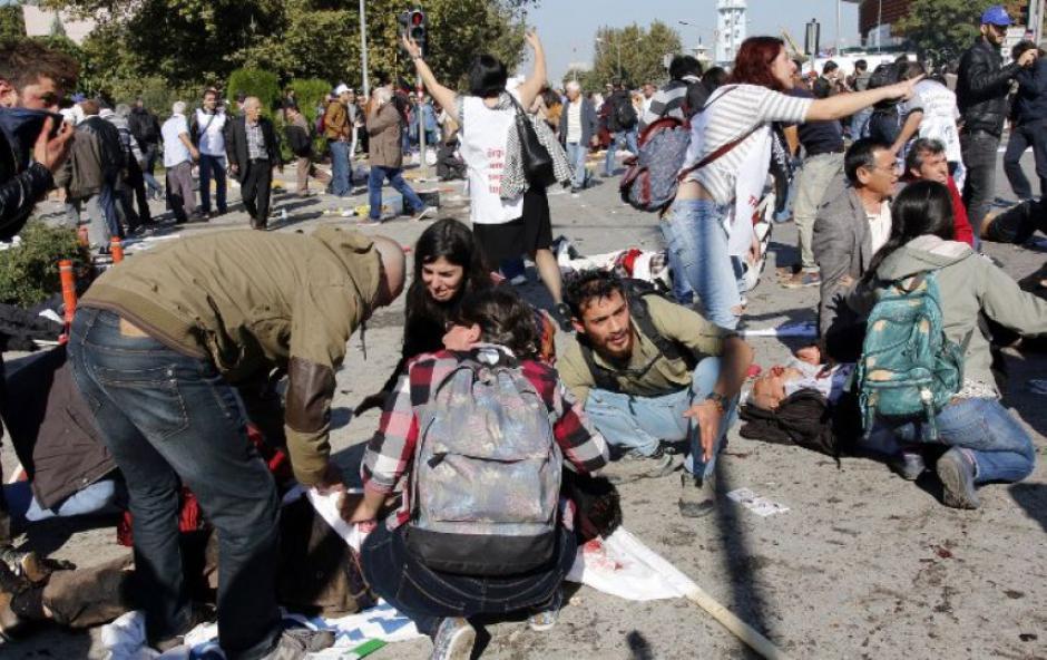 Attentat Ankara : Stop au silence complice de Hollande !!!
