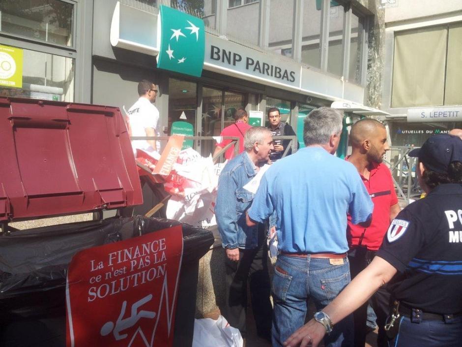 Les argenteuillais se mobilisent contre les emprunts toxiques